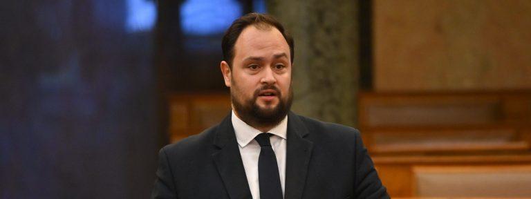 Egy újabb magyar kormánypárti politikust tiltottak ki Ukrajnából. Az incidens részletei
